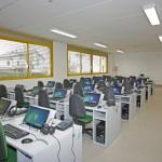 Scuola con aula computer