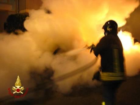 Incendio notturno Vigili del Fuoco