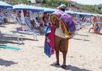 venditori in spiaggia