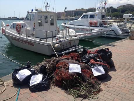 Guardia costiera sequestra reti da posta