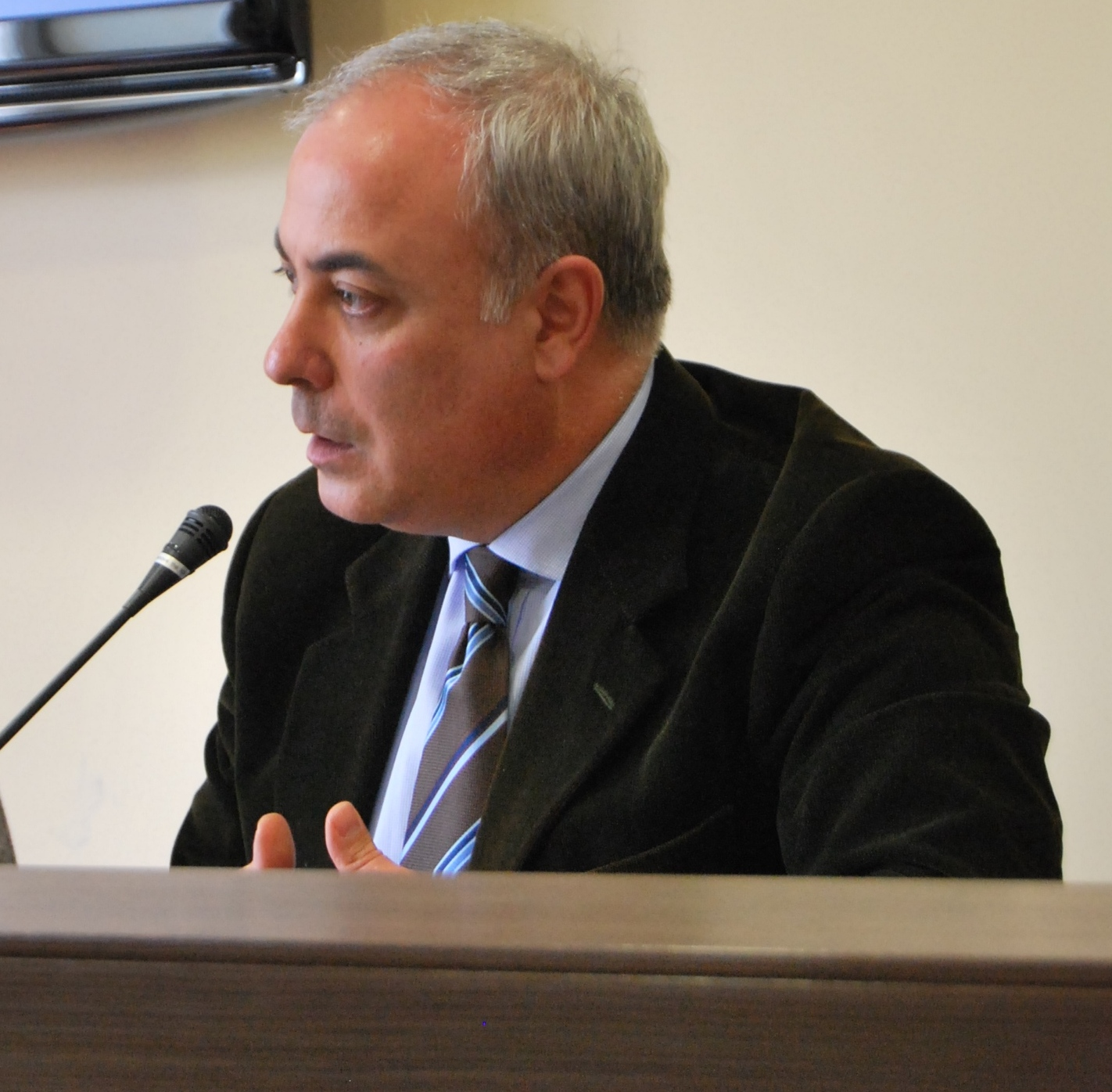 Klaus algieri ai parlamentari calabresi contro la legge di for Parlamentari calabresi