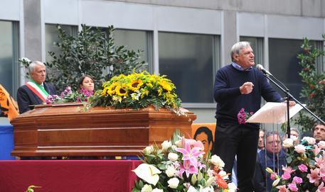 Omicidio Garofalo: funerali civili in piazza a Milano