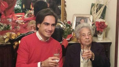 Nonna centenaria festeggiata dal sindaco di Reggio Calabria