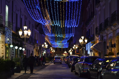 Catanzaro: luminarie Natale su corso Mazzini