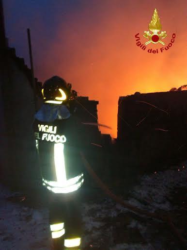 vigili del fuoco_incendio_31122014