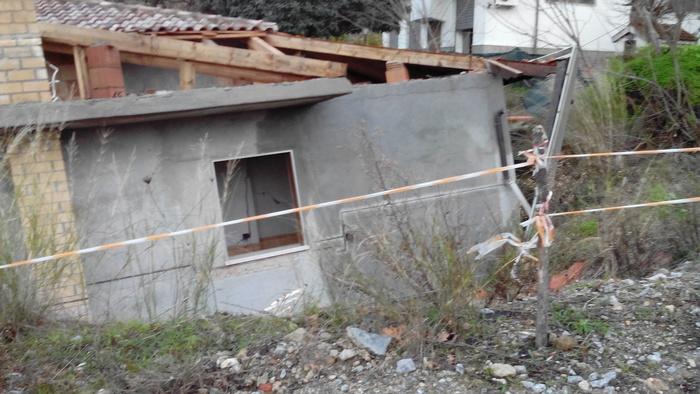 Intervento dei Vigili del fuoco a Petilia Policastro per una frana