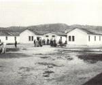 Immagine-depoca-delle-baracche-di-Ferramonti-dal-vol.-I-CAMPI-DEL-DUCE
