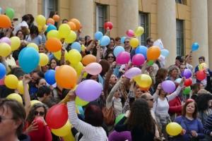 Flashmob degli insegnanti in sciopero contro la riforma della scuola