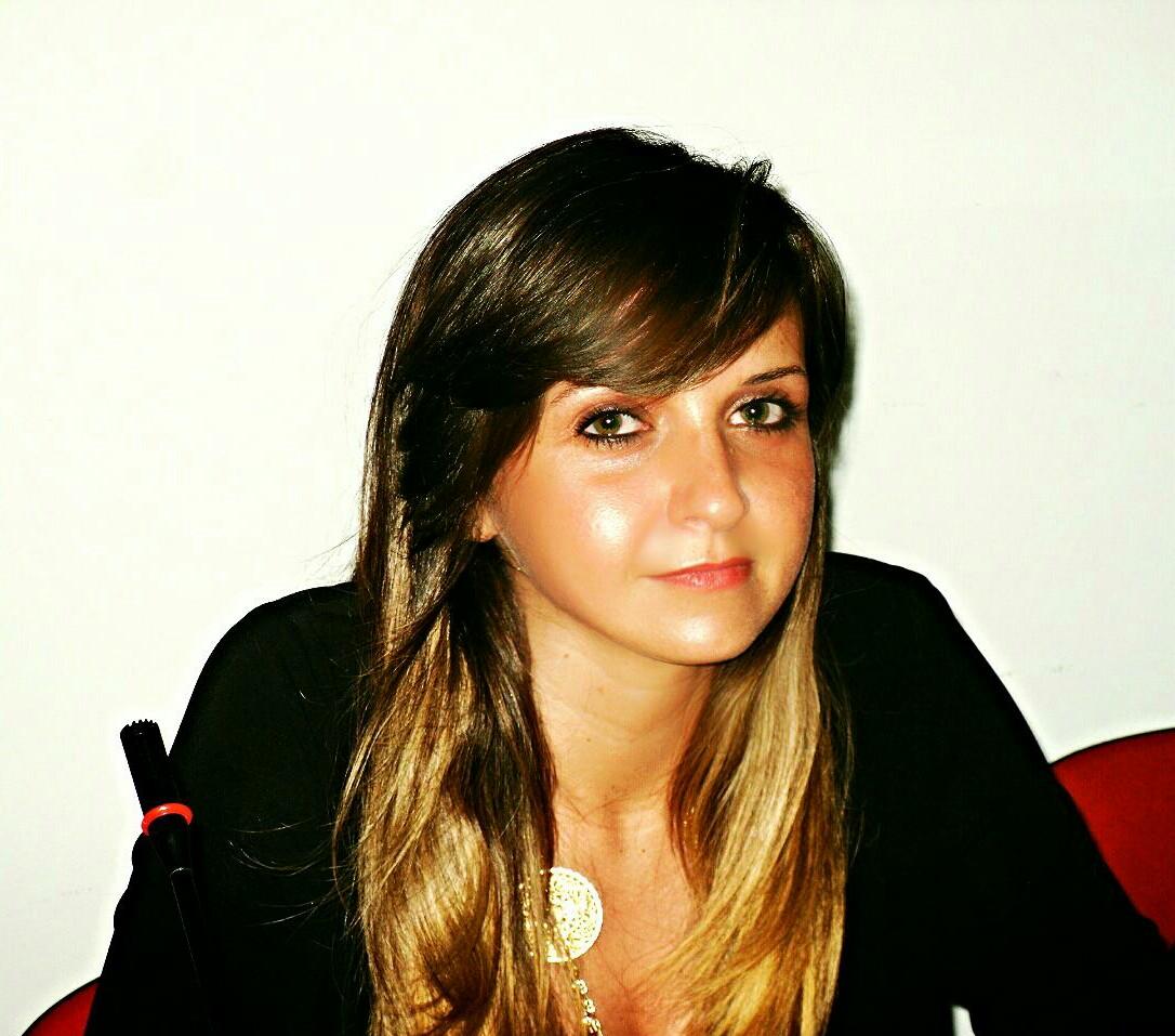 Elena Arone 2