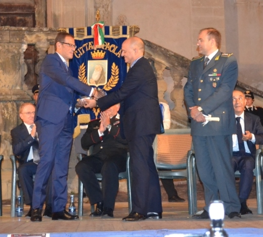 Liguori e Colella premiano Facciolla nel 2014
