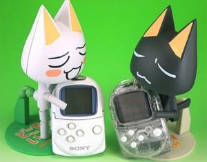 Due PocketStation sorrette dalle loro mascotte