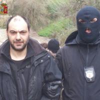 Arresti polizia di stato bunker crea e ferraro