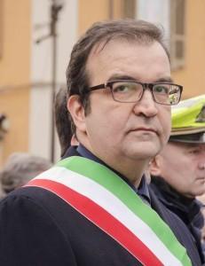 Mario occhiuto con fascia tricolore