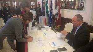 consegna chiavi e firma alla presenza del prefetto Postiglione