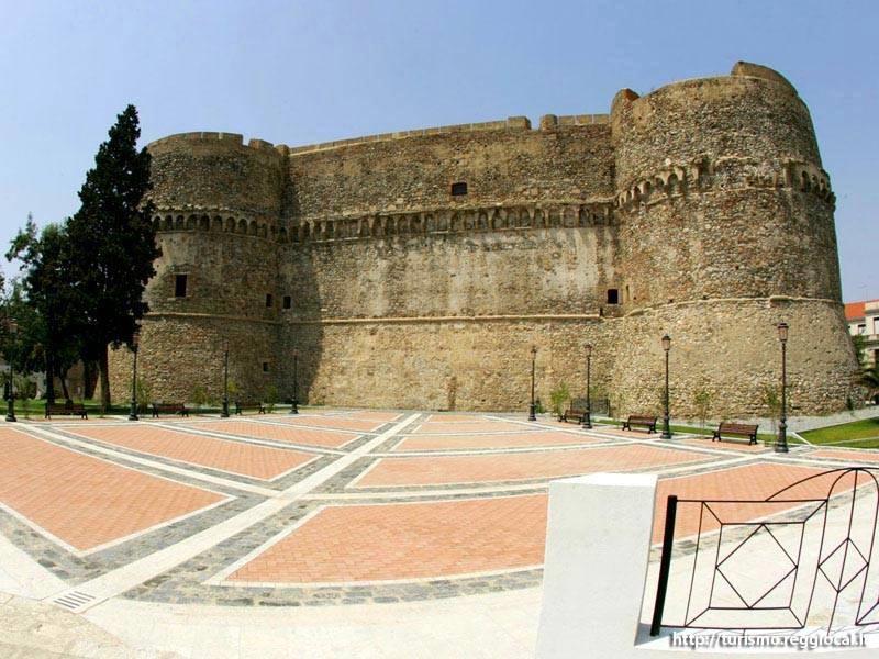 PIazza Castello (1)