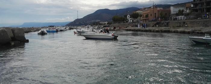 Sequestrato porticciolo abusivo a Punta Pezzo