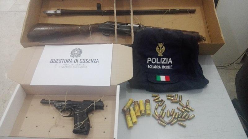 Foto armi arresto Pezzi