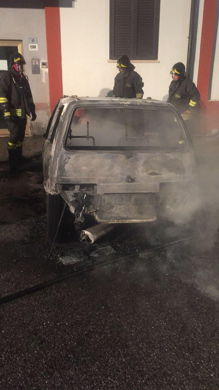 auto bruciata1