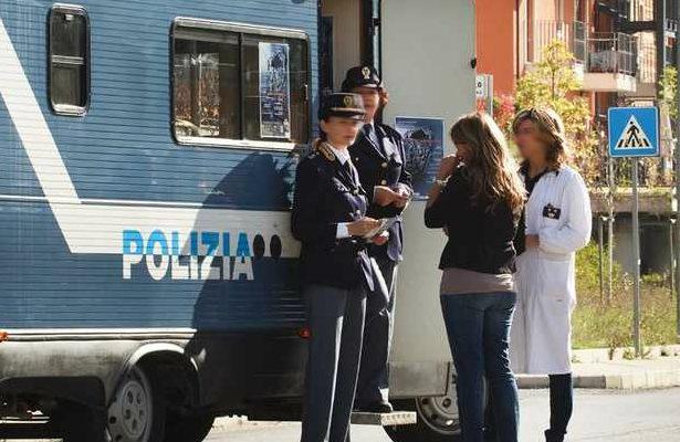 camper-polizia-violenza