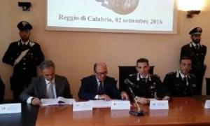 conferenza-stampa-de-raho-carabinieri-600x270