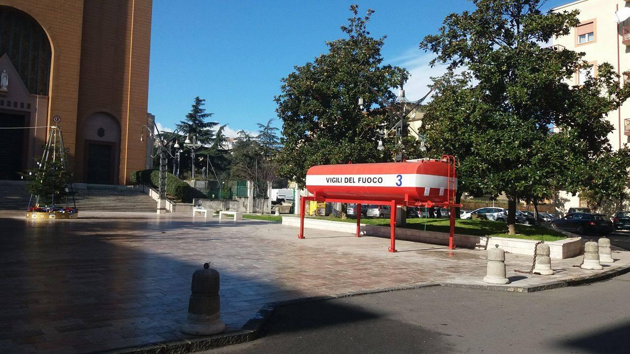 autobotte-piazza-santa-teresa