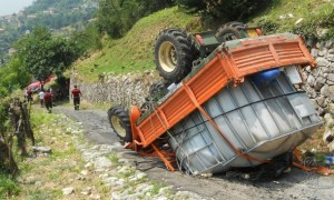 trattore-ribaltato