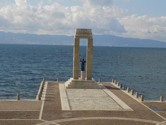 statua-della-dea-atena