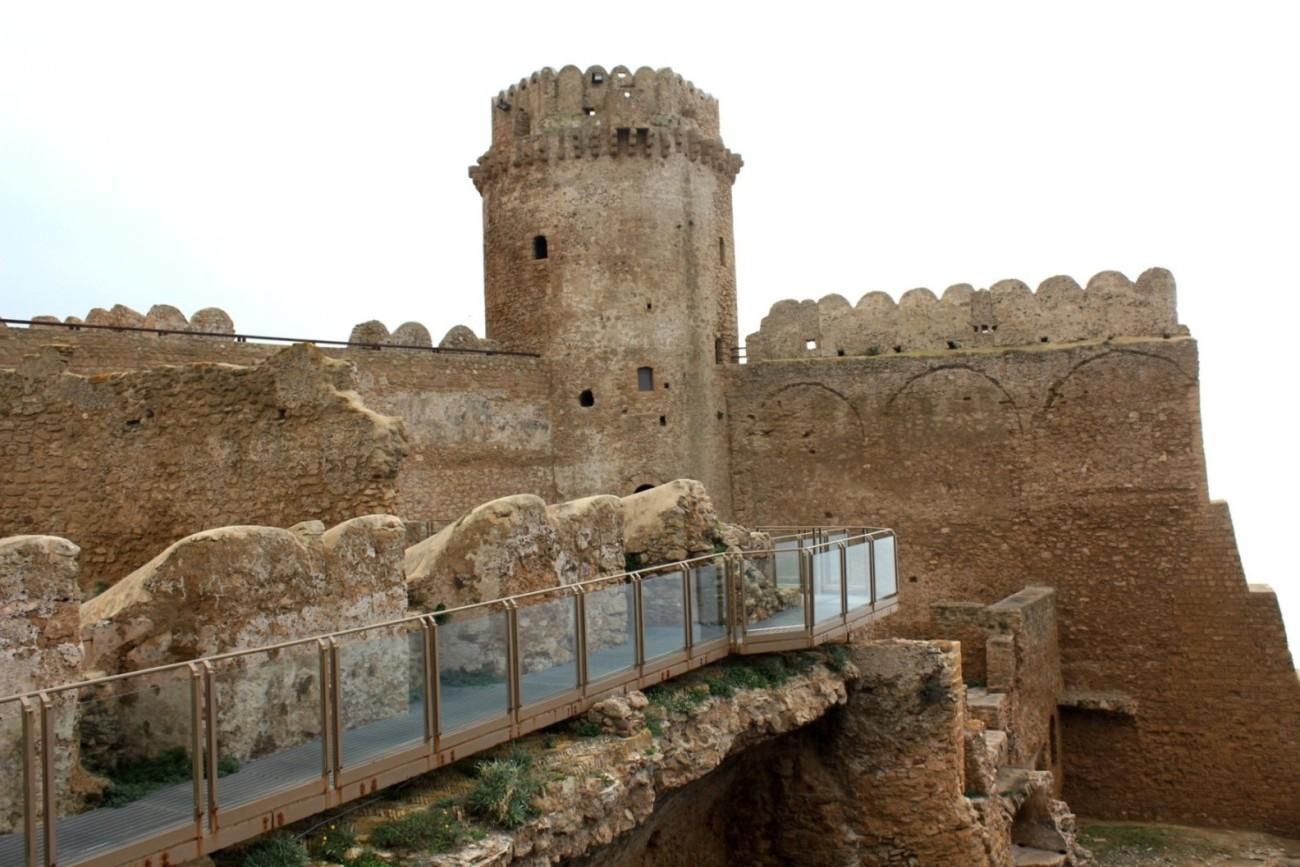 Castello di Le Castella – scorcio con Torre