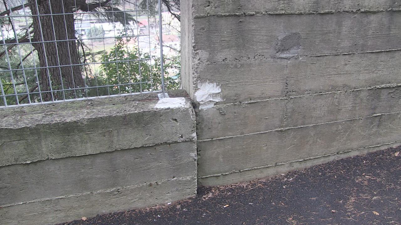 Vetrino spia muro Mariano Santo 3