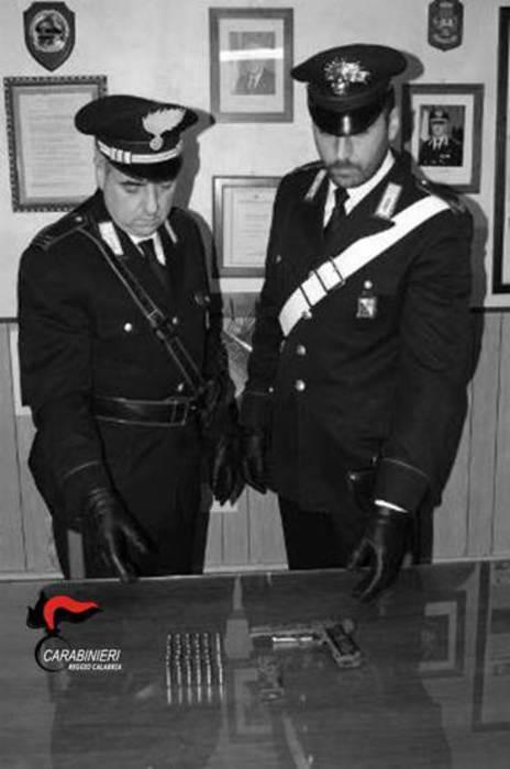 Armi: un arresto dei carabinieri a San Roberto per detenzione illegale
