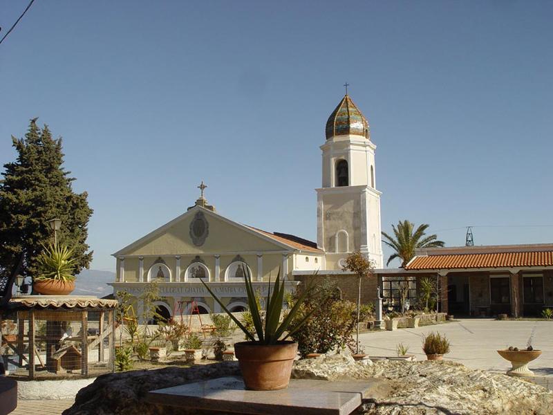 Spezzano-Albanese_Santuario_Madonna_delle_Grazie