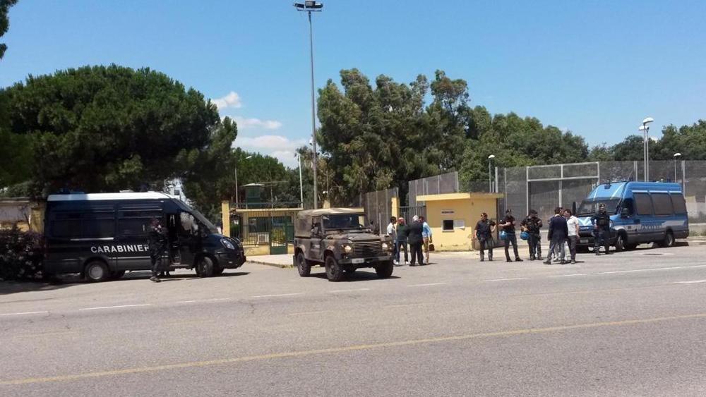 arresti cara isola capo rizzuto
