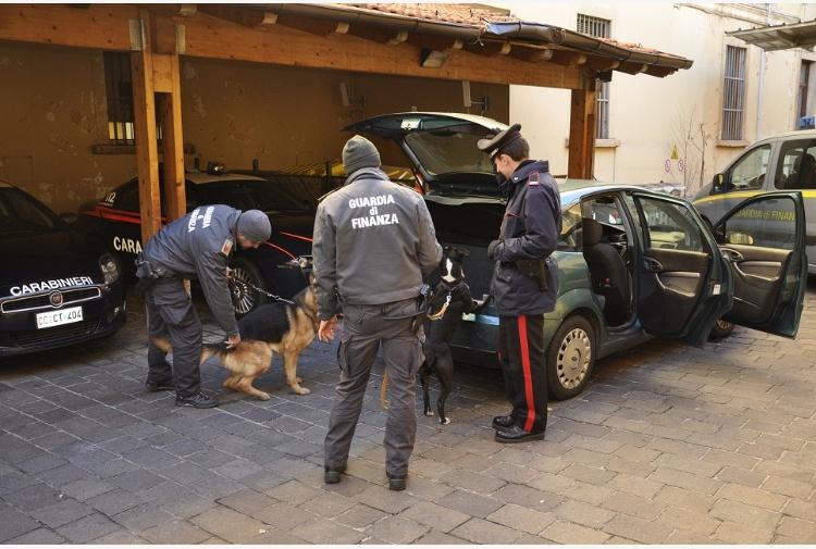 Guardia-di-Finanza-e-carabinieri.jpg_997313609