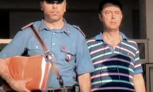Il sindaco di Scalea Pasquale Basile esce dalla caserma di Cosenza, 12 luglio 2013. ANSAFRANCESCO ARENA