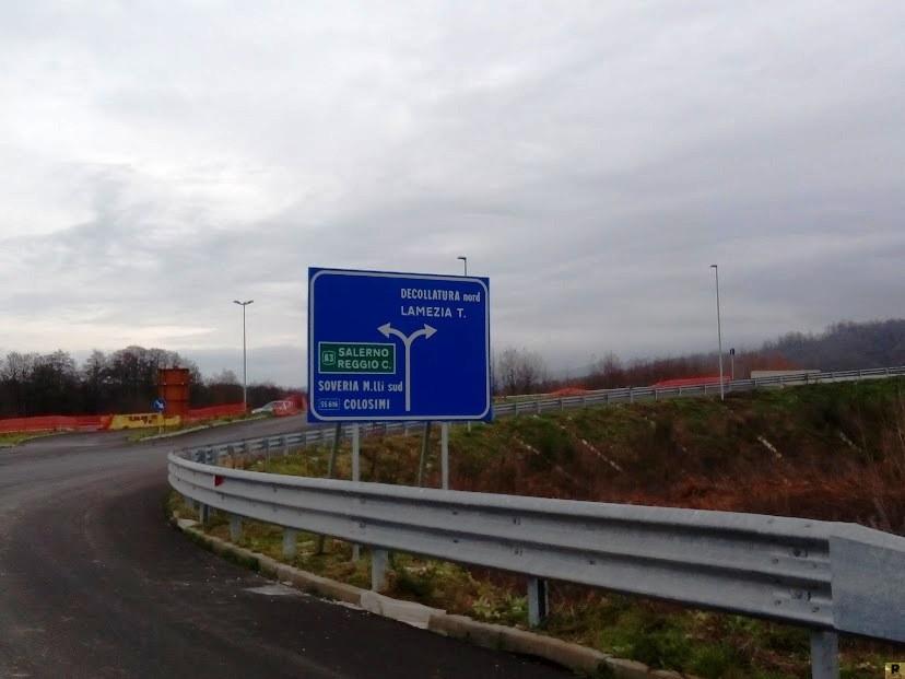 svincolo-tabelle-Soveria-Mannelli-Decollatura-Autostrada-Catanzaro-Lamezia-Terme