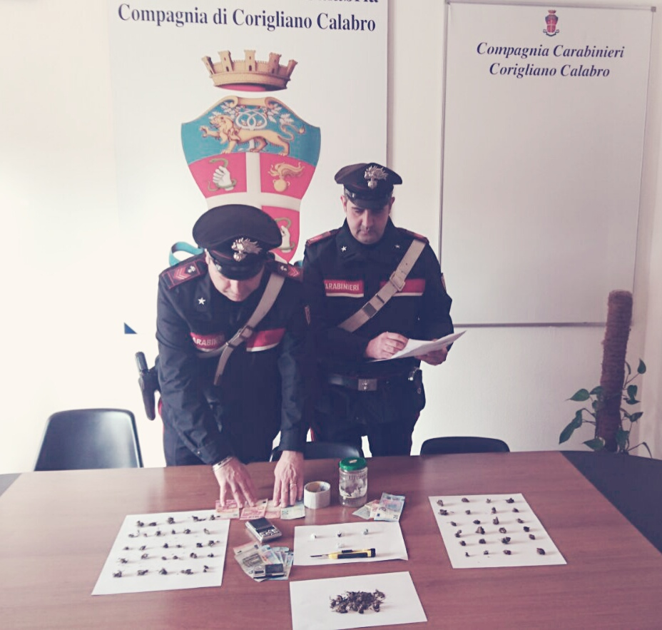 Due arresti a corigliano per droga for Arresti a poggiomarino per droga