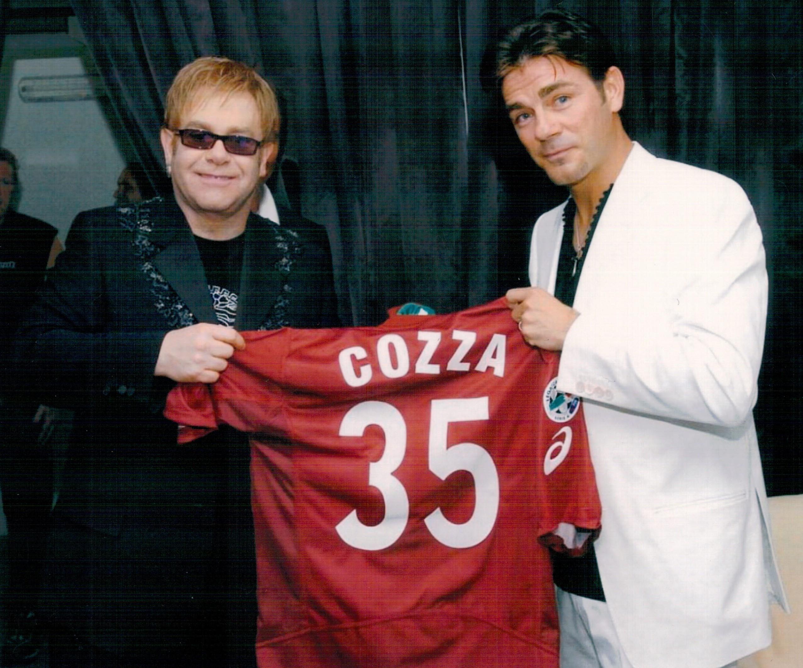 Elton John – Cozza