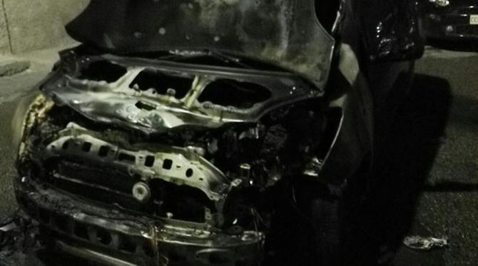 auto_incendiata_cariati_2