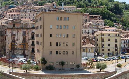 Ex Hotel Jolly  Inizia La Demolizione  Via Lungo Crati