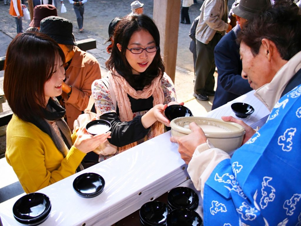 Doburoku-Matsuri-giappone-festival-autunnale