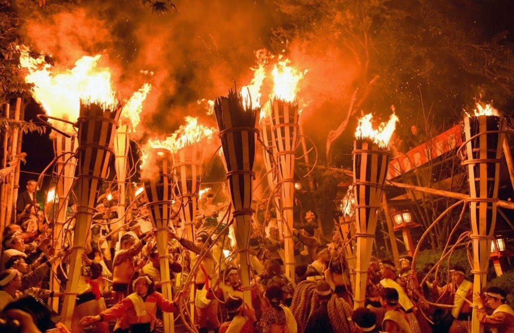 Kurama-no-hi-matsuri-giappone-festival-autunnale