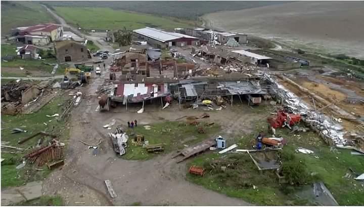 I drammatici segni del violento tornado