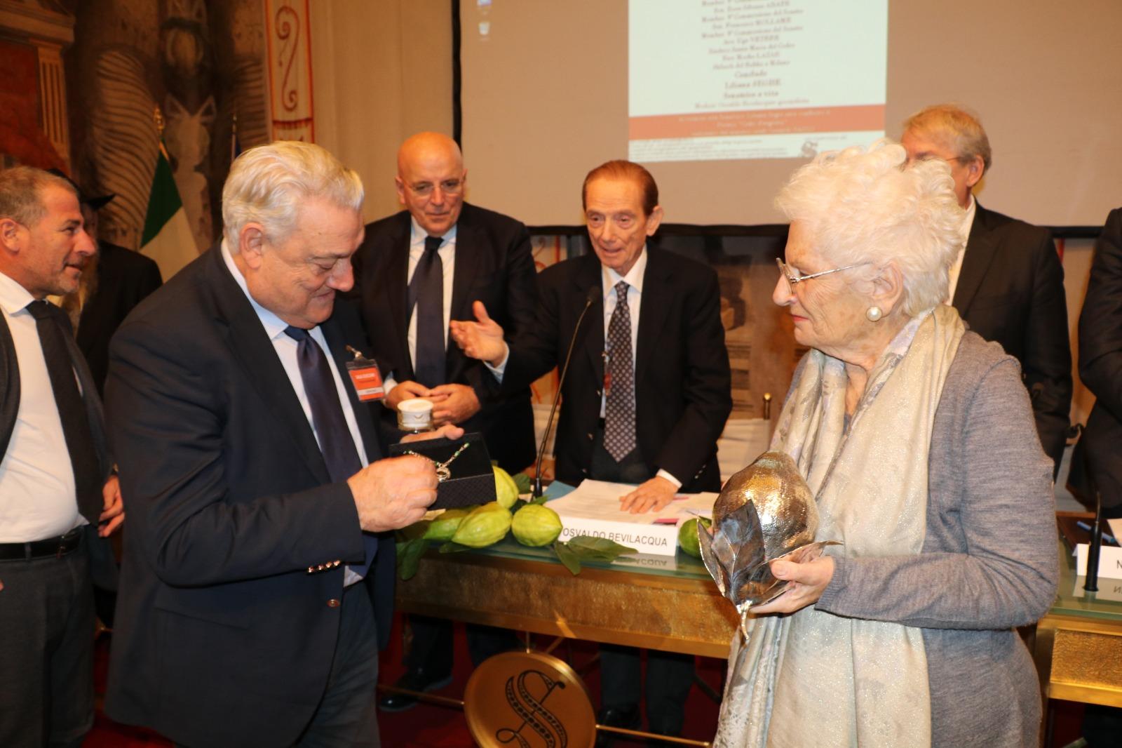 Liliana-Segre-premio-I-cedri d-argento-di-Gerardo-Sacco