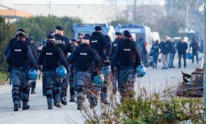 Migranti: al via sgombero baraccopoli San Ferdinando