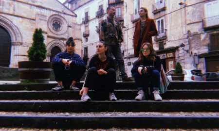artisti georgiani in Piazza Duomo