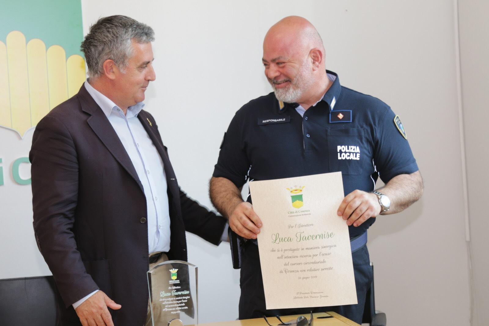il Presidente della Commissione ambiente Vincenzo Granata e l'ispettore Luca Tavernise 2