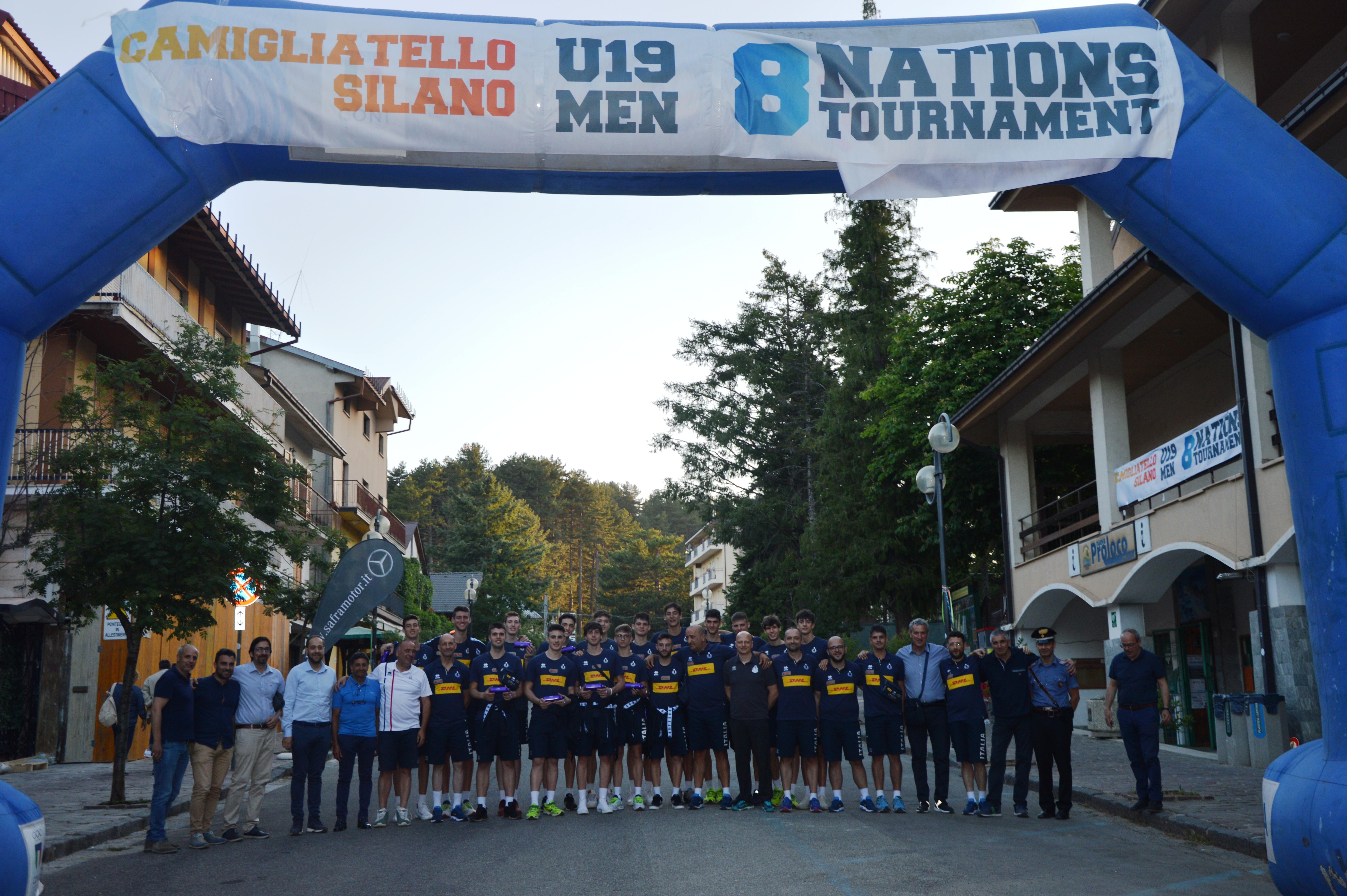 FOTO DI GRUPPO A CAMIGLIATELLO SILANO CON L'ITALIA UNDER 19
