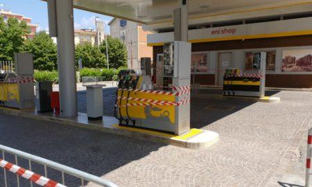 distributore carburante sequestrato