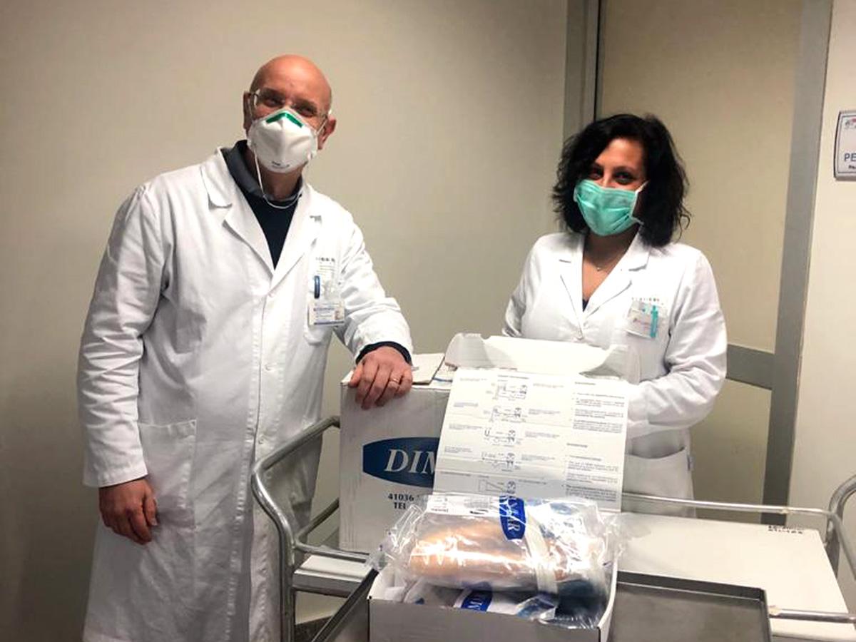 Consegna-Caschi-Respiratori-20-03-2020 - Nalla foto Gallucci e Suriano