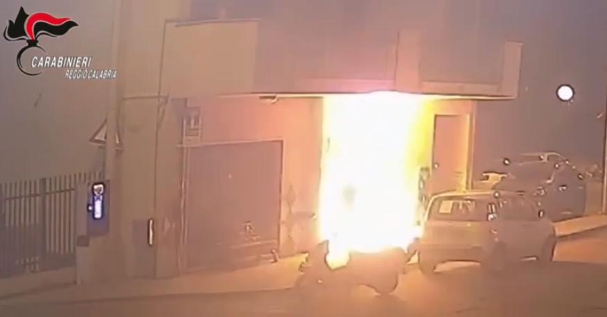 incendio negozio reggio